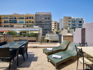 038 Stunning Views Sliema 2-bedroom Penthouse
