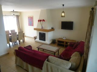 CASA CHILLOUT -1 bedroom quality house., Nerja