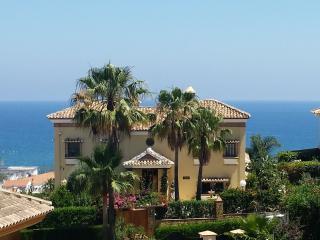 VILLA Y FRON -the height of luxury, La Cala de Mijas