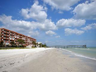La Contessa 307- 3 BR Gulf Front Condo - HDTV, Internet, Free Long Distance!, Redington Beach