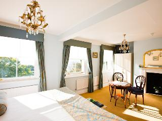 Pier View self-catering luxury apartments, Southend-on-Sea