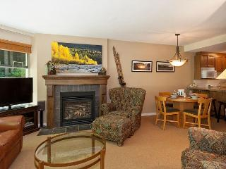 Woodrun Lodge #218 |  1 Bedroom + Den Ski-In/Ski-Out Condo, Shared Hot Tub, Whistler