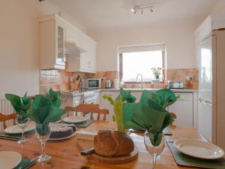 Kitchen/dining room suitable for 8 persons
