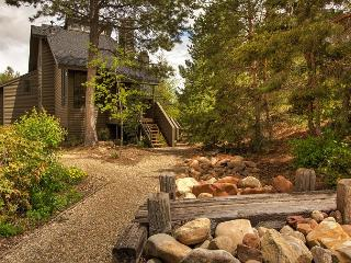 4BR/4BA Luxury House, Next to Canyons Ski Resort, Sleeps 10