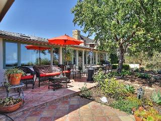 3BR Romantic Garden Retreat with Ocean and Mt Views & Hot Tub- Walk to trails, Santa Barbara