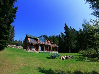 Luxurious Lake Front Wilderness Lodge Pittsburg NH