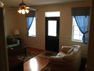 Alexander Mini Mansion Townhome -Gorgeous Location, Ocean City