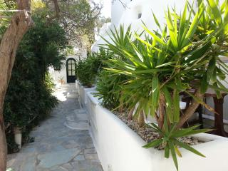 studio ground floor garden view, Mykonos Town