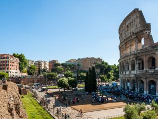 Rome Unique Colosseum View 5 bedroom