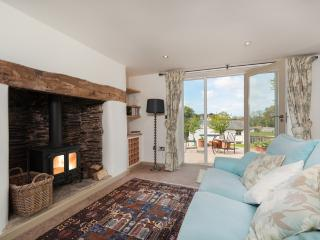 Vine Cottage located in Modbury, Devon