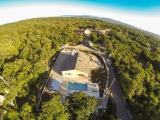 Villa Lipa on the island Krk, with pool, Kras