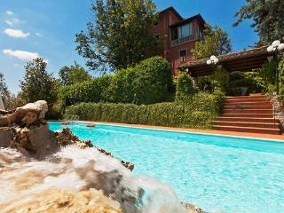 Villa Chianna, wonderful panorama, private pool!, Pisa