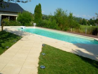 Grande maison avec piscine privée, Varetz