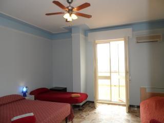 Alghero 4u Self Catering 4 Pax Room with Bathroom