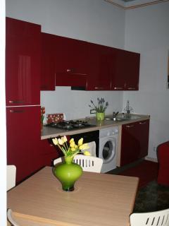 Dettaglio tavolo cucina Appartamento Geranio