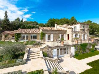 Villa Rousseau holiday vacation large villa rental france, south france, riviera, cote dazur, near cannes, pool, air conditioning, shor, Le Rouret