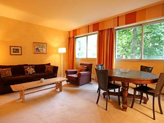 Apartment Le Penseur holiday vacation apartment rental france, paris, 7th arrond