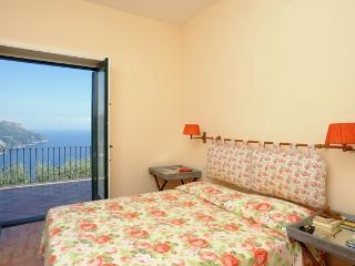 Villa Garden Paradise Ravello, Italy holiday villa to let, Amalfi villa within