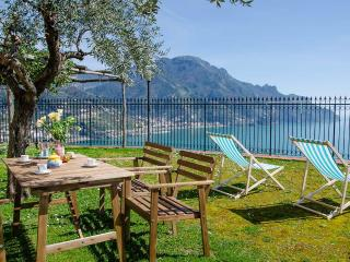 Villa Vista Lattari Amalfi rental with view, Villa in Ravello with view, Amalfi holiday rental view, Private villa with views Amalfi