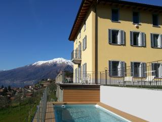 Villa Precious Villa to rent Lake Como, self catering villa on Lake Como, Domaso