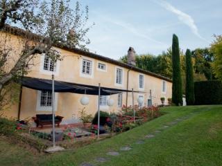 Villa Falconi holiday vacation large villa rental italy, tuscany, near lucca