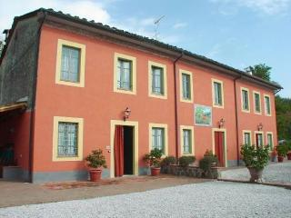 Residence Michele Villa rental near Lucca in Tuscany