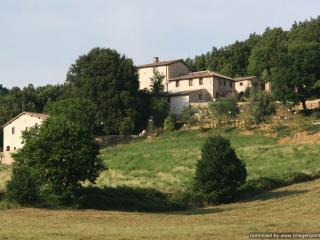 Montarre - Dolce Rent a villa sovicille, holiday villa to let, self catered, Sovicille