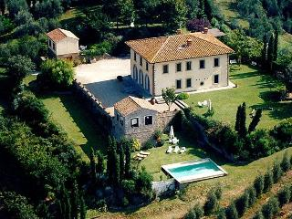 Laura Estate Tuscan villa near Florence, Tuscan villa for rent, villa to let in Tuscany, Tuscan estate, Vinci