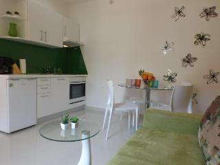Gorgeous New Apartment for 4!, Makarska