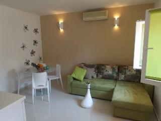 Gorgeous New Apartment for 4!, Makarska