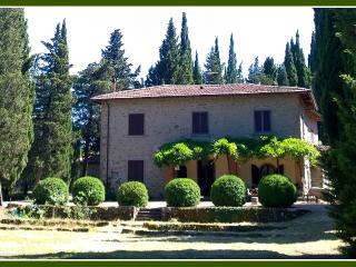 Villa - for 9 people - art & nature - shared pool, Anghiari