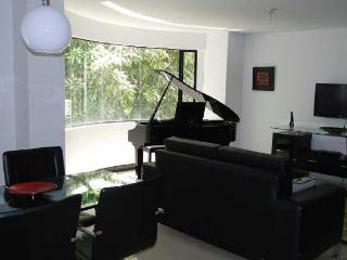 Exclusive 2 bedroom  with pool & terrace, poblado, Medellin