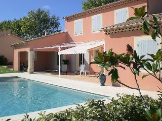 Avignon, Vaucluse, Villa 8p exceptional comfort, private pool, Jonquerettes