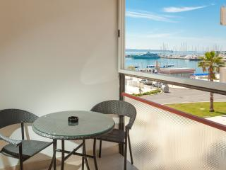 ATTRACTIVE WEST COAST APARTMENT, Split