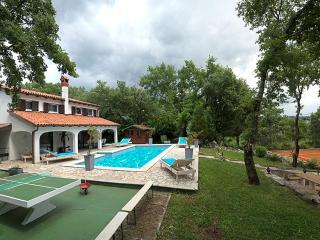 Villa Palma, Kastel
