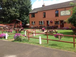 coalhouse inn apartment apperley near Tewkesbury
