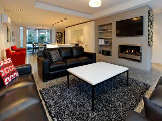 Great Value in Queenstown Town Sleeps 10