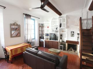 Charming apartment in the heart of Vieil Antibes