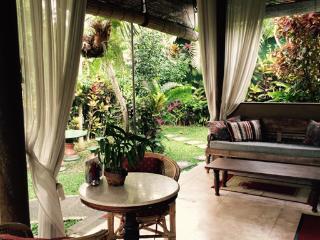 Lotus Cottage Ubud (pool, wifi, quiet garden)