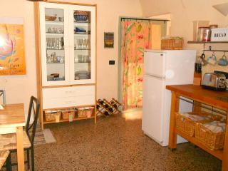 House in Capestrano with garden, parking and views
