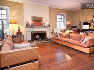 Spacious Designer Home--Comfy too!, Philadelphia