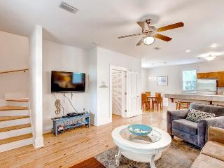 Barefoot Cottages B37-2BR/2.5BA*10%OFF April1-May26*ScreenedPorches*FC, Port Saint Joe