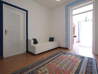 Particolare sofà camera da letto 2