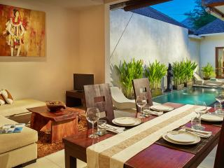 1 BDR private villa,20 mins walk to Seminyak beach