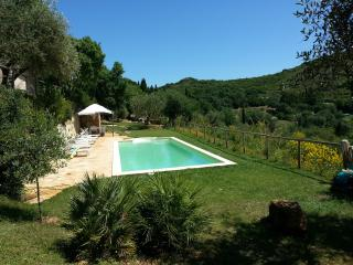 Beautifully reconstructed 18th century Tuscan villa with sea view and private pool