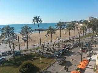 ELVIS - Muy Centrico - Playa San Sebastian, Sitges