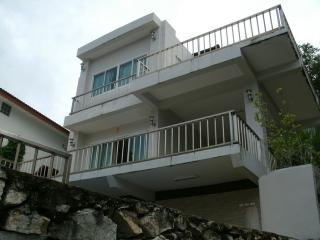 5 bedroom Pool Mansion Near the beach, Kamala