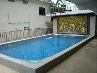 5 bedroom Pool Mansion Near the beach