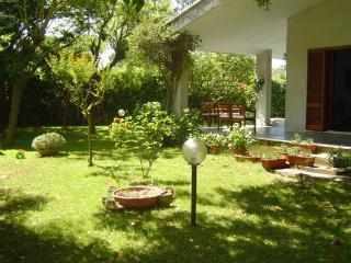 villa unifamiliare, grande giardino vicina al mare