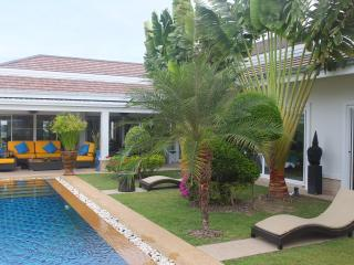 5-Star, 3 bedroom pool villa. 3 Kms from Hua Hin